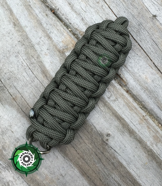 "Brelok survivalowy z Paracordu 550 o splocie ""King Cobra"", kolor ""Army green"""